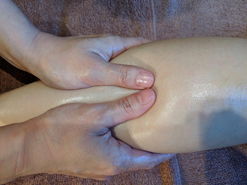 筋膜はがしでオイルマッサージ